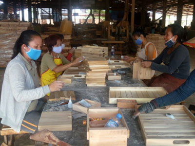 ao women involved in production of furniture using young plantation teak grown by farmers